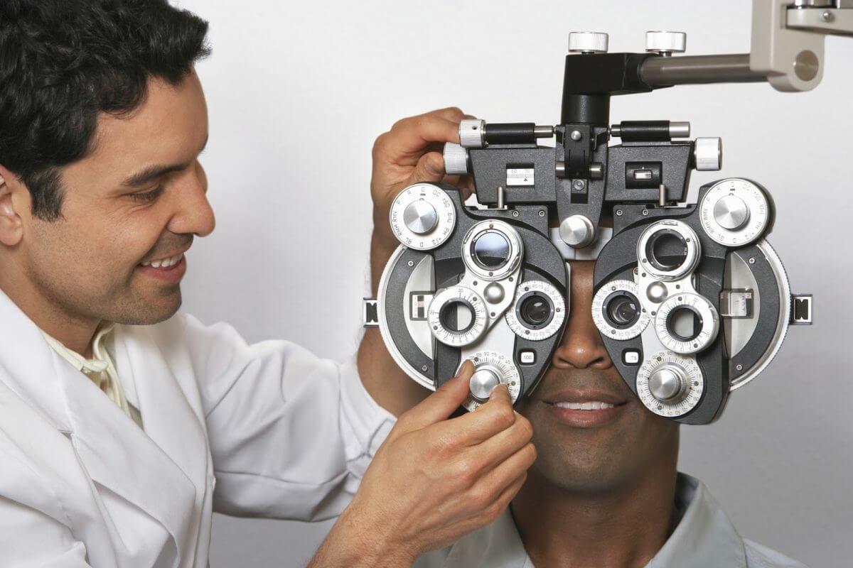 Você sabe quando deve ir ao oftalmologista?
